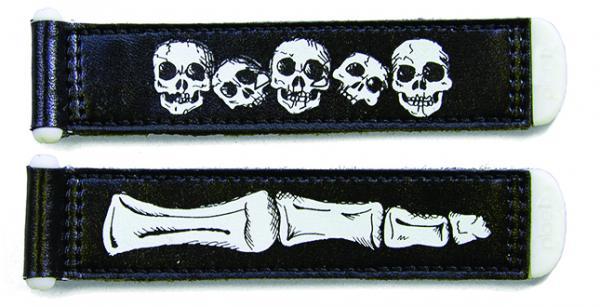 skull & bones / black / glow